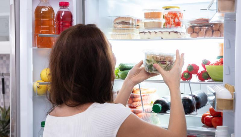 لماذا عليك التوقف عن استخدام رقائق الألومنيوم لحفظ الطعام؟