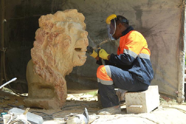 Zimbabwean lawyer defies odds in stone sculpture business
