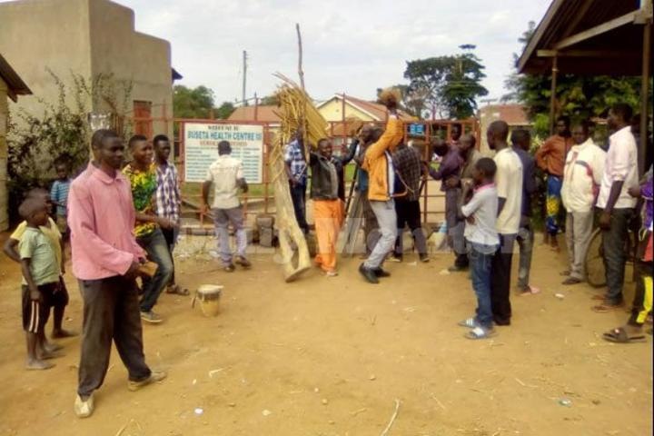 Kibuku residents protest over poor services at Buseta Health Centre