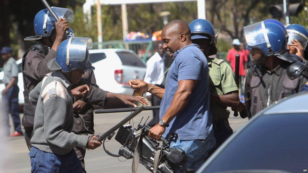 Zim Journalists Dogged By Poor Wages, Harassment