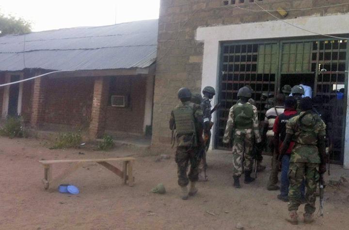 Gunmen Storm Nigerian Prison, Free 240 Inmates